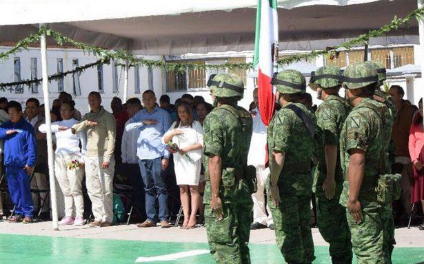 Celebran bodas en penal de Santiaguito de Almoloya