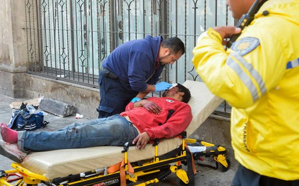 Brutal agresión: le sacan el ojo con una botella a un indigente