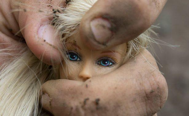 Apuñala a su hija de dos años por la espalda y se ahorca