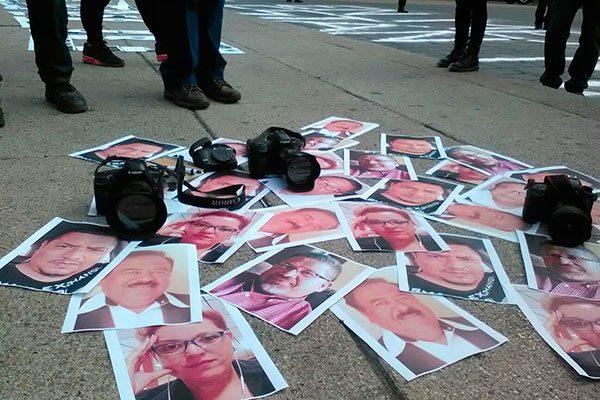 FIP pide a EPN cumplir sus promesas para proteger a periodistas