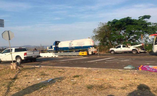 Choque de pipa en Jalisco dejaun muerto y 2 heridos