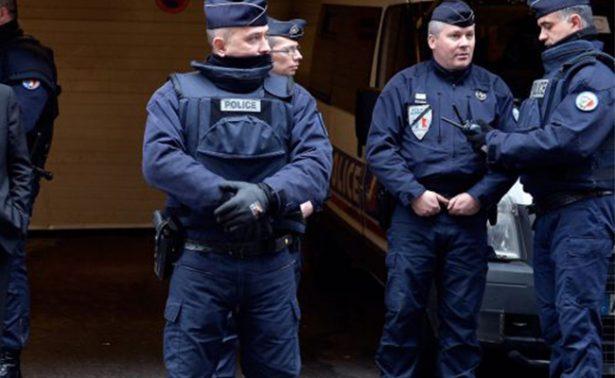 En Francia frustran plan de atentado, encuentran armas y material explosivo