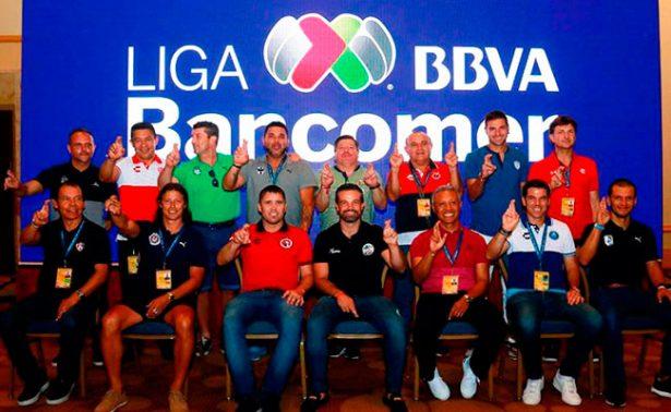 Tres grandes ausentes en foto oficial de técnicos de Liga MX