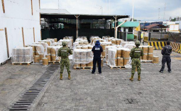 Aseguran 18 mil kilos de precursor químico en Manzanillo