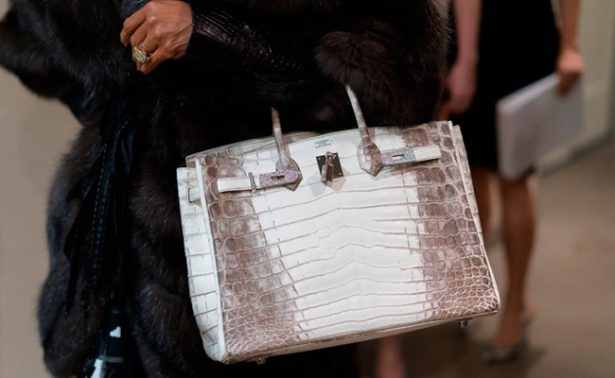 Bolso de Hermés bate récord de venta en una subasta en Hong Kong
