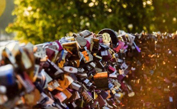"""A subasta los """"candados del amor"""" de París"""