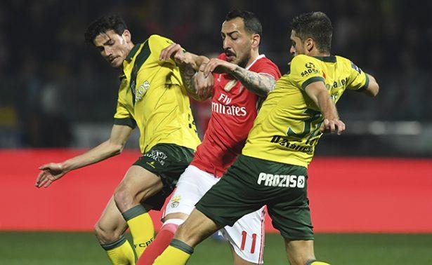 Benfica empara sin goles con el Pacos Ferreira