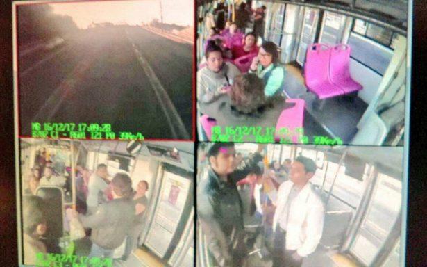 Asaltan Metrobús en la delegación Azcapotzalco de la CDMX