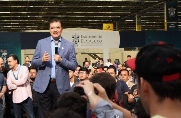 En Campus Party señalan que México enfrenta retos en educación y empleo