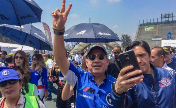 Felipe Calderón conquista su primera carrera de go-karts