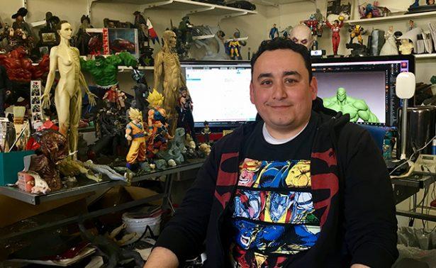 "Mexicano logra fama mundial como ""Escultor de superhéroes"""