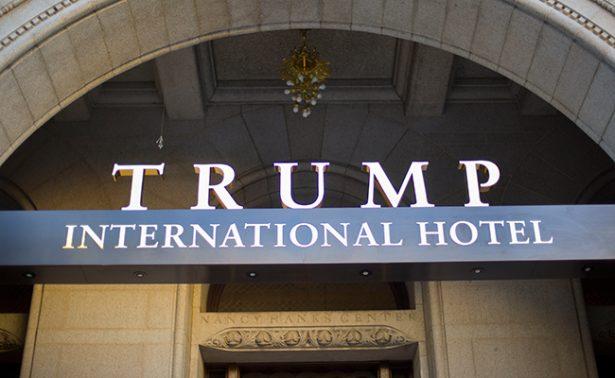 Donaría Donald Trump  ganancias de hoteles  contratados por gobiernos