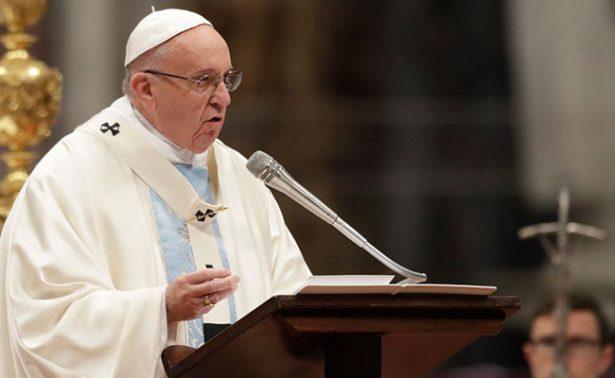 """Papa Francisco condena la """"lacra"""" del tráfico de personas"""