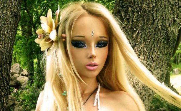 Conoce a la Barbie Humana… ¡sin maquillaje!