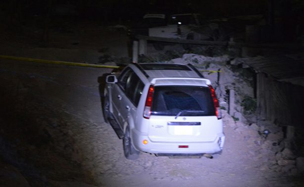 Hallan ocho cuerpos al interior de camioneta en Guerrero