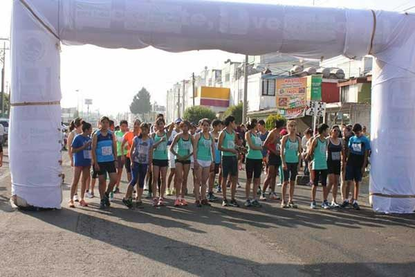 Alistan escuelas participación en festival atlético de Cuaxomulco