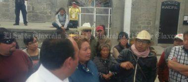 Pobladores de Xaltocan se manifiestan por adeudo de agua potable ante la CFE
