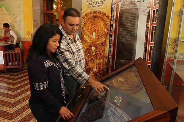 Opera Gobierno del Estado módulos digitales de información para turistas