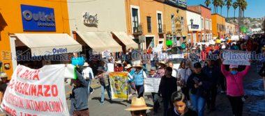 Marchan ciudadanos en la capital en contra del gasolinazo