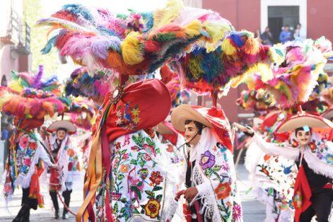 Color, música y diversión en el desfile del Carnaval Tlaxcala 2017