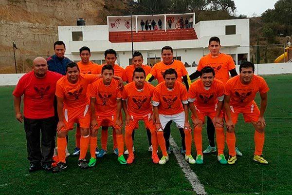 Galácticos, campeón del futbol siete de Tizatlán. / Francisco H. REYES