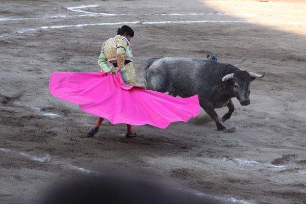 """Angelino de Arriaga brindó el toro a su extinto padre Joaquín """"El Pulques"""" Angelino"""