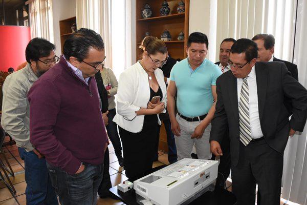 Ofrece INE simulacro para voto electrónico en el Congreso local