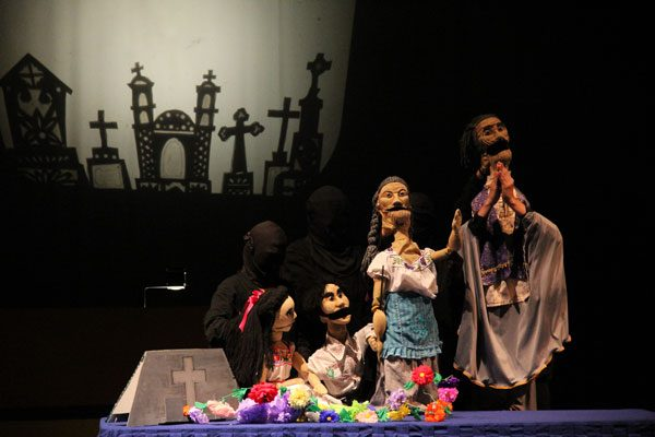 A través del teatro, difunde Artefactum patrimonio cultural