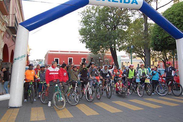 Registra unos 270 ciclistas  rodada nocturna en Tlaxcala