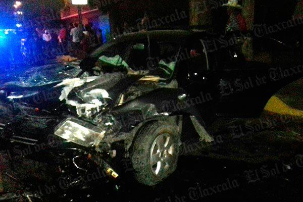 Cuatro lesionados deja choque entre particulares en Nopalucan