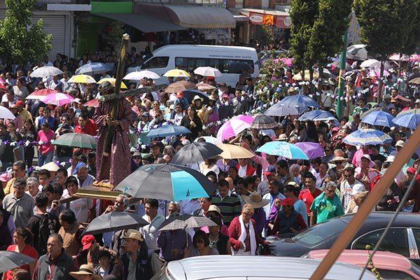 Cientos de pobladores de diferentes municipios de Tlaxcala presenciaron el Circo Romano en Tetlatlahuca. /Tomás BAÑOS