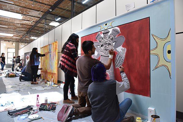 Crean murales para conmemorar el Día Mundial del Arte