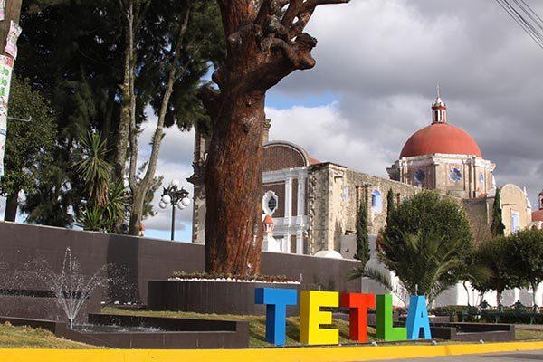 En Tetla subsidian a productores para que cultiven maíces híbridos
