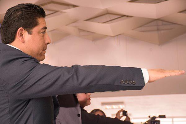 Rinde protesta Eutiquio Sánchez como oficial del Registro Civil  de Zacatelco
