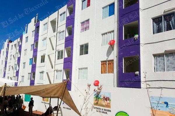 Exigen vecinos a Infonavit atender fallas y desperfectos en viviendas