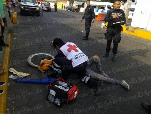 Atropella Flecha Azul a ciclista en Zacatelco
