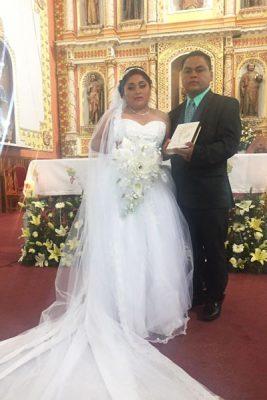 Guadalupe y Juan Carlos se unen en matrimonio