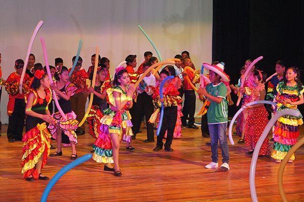 Demuestran su talento en el baile y la actuación