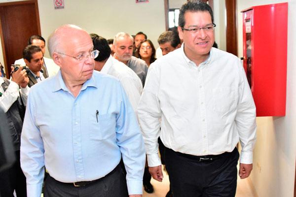 José Narro instala Red Tlaxcalteca de Municipios por la Salud