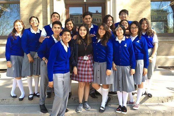 Estudiantes del Instituto Independencia parten de intercambio a EE. UU.