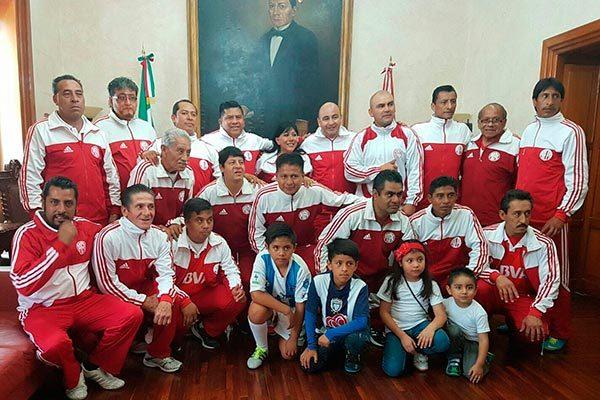 Gana Prepa campeonato de la Liga premier de veteranos en Puebla