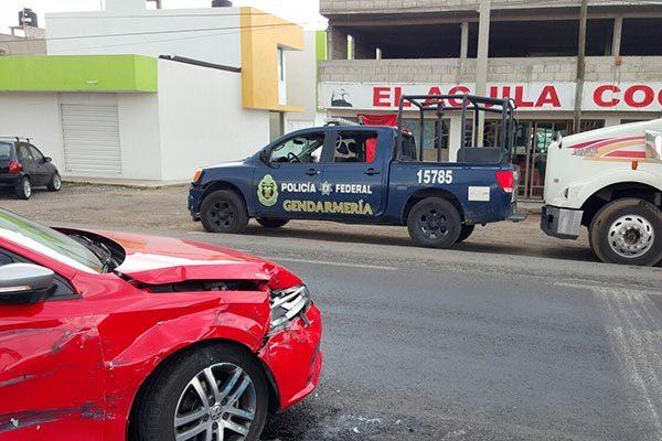 Se involucra patrulla de Gendarmería en accidente carretero, en Ocotoxco