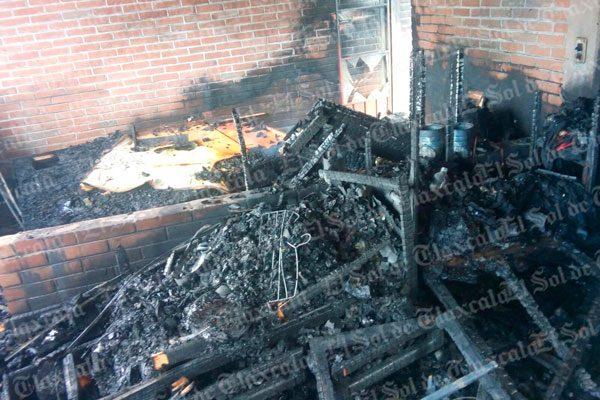 Se incendia domicilio en Altzayanca; solo hay daños materiales