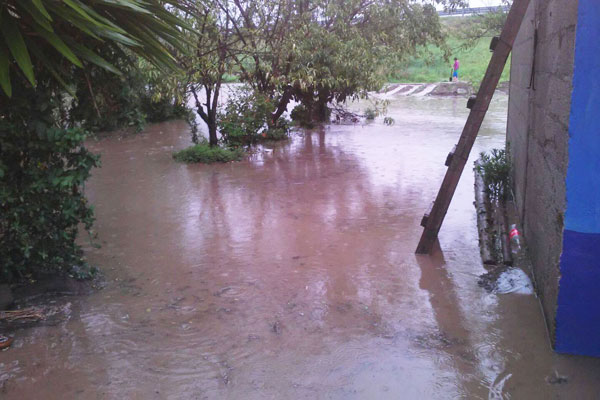 Calles inundadas en cuatro comunidades de Tlaxcala, reporta la coordinación municipal de Protección Civil. / Tomás BAÑOS
