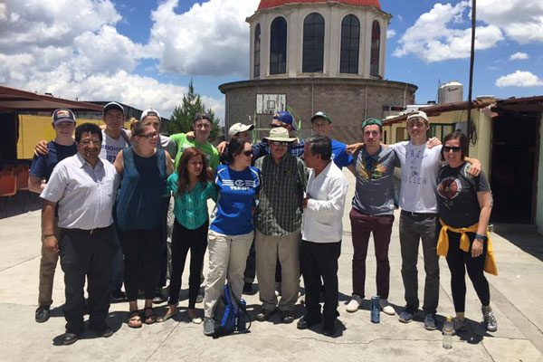 Se re nen cedh y representantes de la casa del migrante for Mural de la casa del migrante