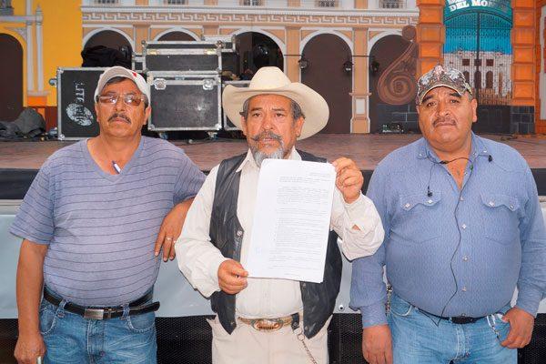 Exigen vecinos de Calpulalpan información oficial al ayuntamiento