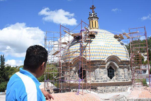 Dejan a medias la restauración del templo en San Juan Totolac