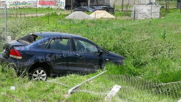 Se accidenta familia en la autopista El Molinito-San Martín; hay cinco lesionados