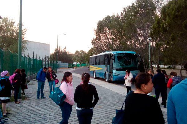 Exigen docentes cambio de unidad que usan para la ruta de transporte a Calpulalpan