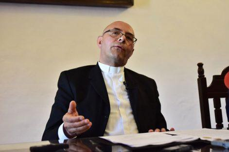 El administrador diocesano de la entidad, Jorge Iván Gómez Gómez, refirió que la tarea del nuevo Obispo es dar seguimiento al Plan Diocesano de Pastoral. / Héctor LORENZO